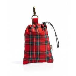 Sac à friandises en coton écossais rouge rempli