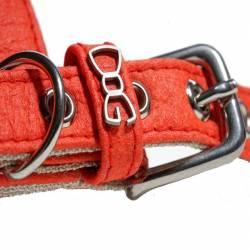 """Détails logo """"Funky Dog"""" Harnais en Piñatex rouge"""
